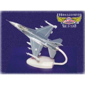 空軍 塑鋼戰鬥機模型 戰隼 F-16 (1:72)